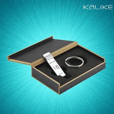 礼盒包装,金属打造,大刚环设计